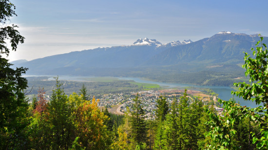 Revelstoke-Revelstoke-from-the-Meadows-in-the-Sky-road-Flickr-photo-by-erwlas-550x309